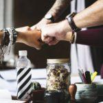 Cum evoluează afacerile de familie: doar o treime dintre acestea ajung în mâinile celei de-a doua generații