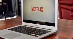 Acțiunile Netflix au înregistrat un declin de peste 10%, iar valoarea de piață a companiei a scăzut cu 16 mld dolari