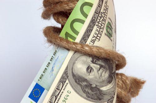 Ce este un creditor de ultimă instanță și care este rolul băncilor centrale?