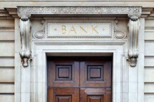 Banca modernă este cea ale cărei servicii sunt ușor de utilizat, consideră 8 din 10 români