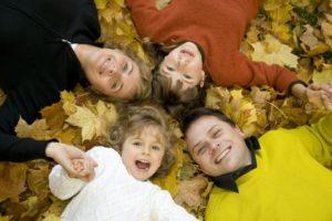6 metode prin care părinţii pot oferi copiilor Educaţie financiară acasă