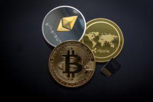 Majoritatea ofertelor inițiale de monede (ICO-uri), cotate la o bursă de criptomonede în 2017, au ajuns sub prețul inițial