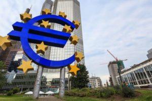 Fură BCE dobânzile deponenților? Mulți economiști sunt convinși de acest lucru, criticând aspru politica BCE