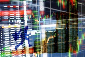 Paradoxul bursei locale: deși randamentele cresc, numărul investitorilor scade