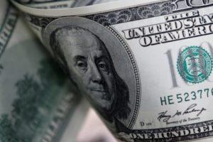 Într-un sistem al politicilor monetare eșuate, economia globală mai are doar o singură șansă: devalorizarea dolarului american
