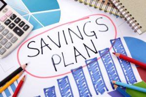 Cum economisesc românii: ar investi într-un fond dacă i-ar sfătui cineva, dar ar cumpara un imobil bazându-se propria intuiție